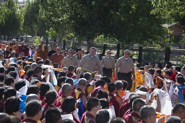 美国国会升国旗向世界佛教最高领袖H.H.第三世多杰羌佛致敬 第1张